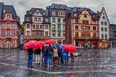 Rote-Regenschirme_DxO_HDR.jpg