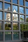 Leipzig---Spiegelung-der-Thomaskirche.jpg